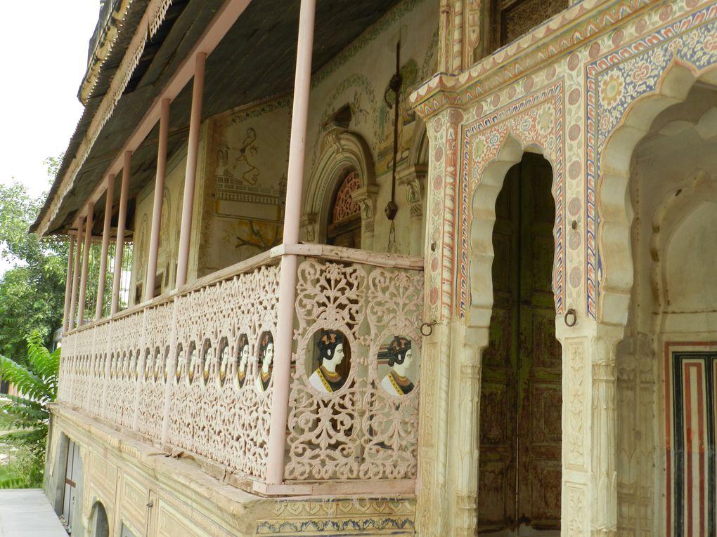 Fatehpur : la première haveli est abandonné et la deuxième vers la fin du diaporama est une restaurée