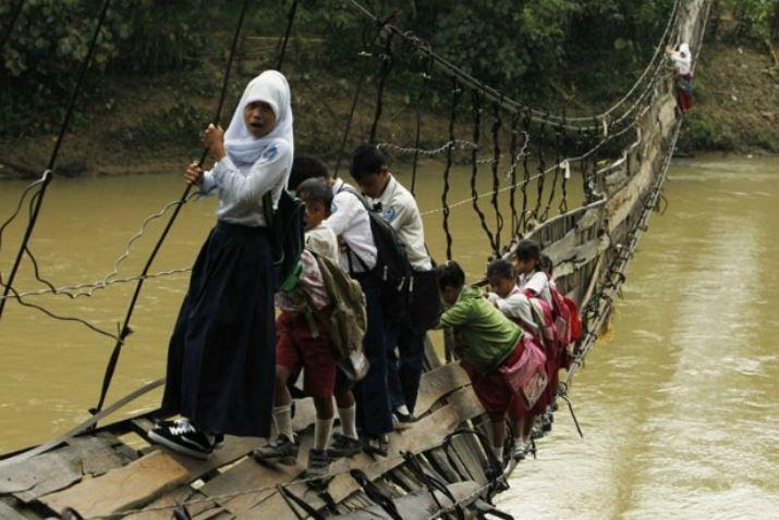 L'image du mercredi : pas facile d'aller à l'école