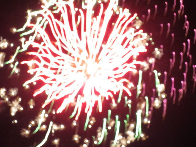 Les photos que Tom a pris du feu d'artifice : Splendide!