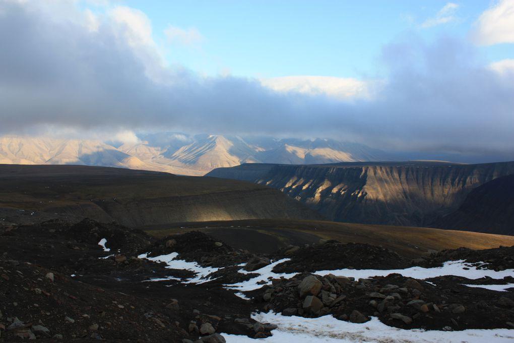 Arrivée au niveau de Platåberget, jeu de lumières. Nicolas semble apprécier sa rencontre avec le Svalbard