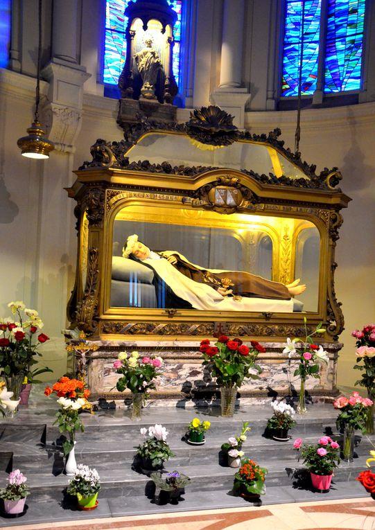 Basilique de Lisieux, Les Buissonnets, le chasse de Sainte Thérèse et le Diorama