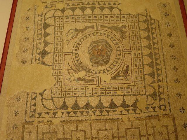 Le musée municipal de BENAMEJI et ses magnifiques mosaïques. Exceptionnel un cercueil romain fait de plomb.