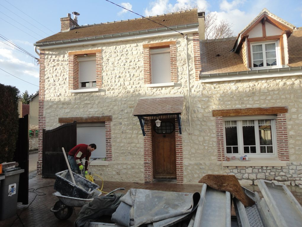 Transformation de fa ade de maison avec moellons et for Transformation facade maison