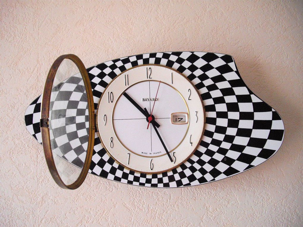 horloge de cuisine bayard design damier 1960 art et vintage. Black Bedroom Furniture Sets. Home Design Ideas
