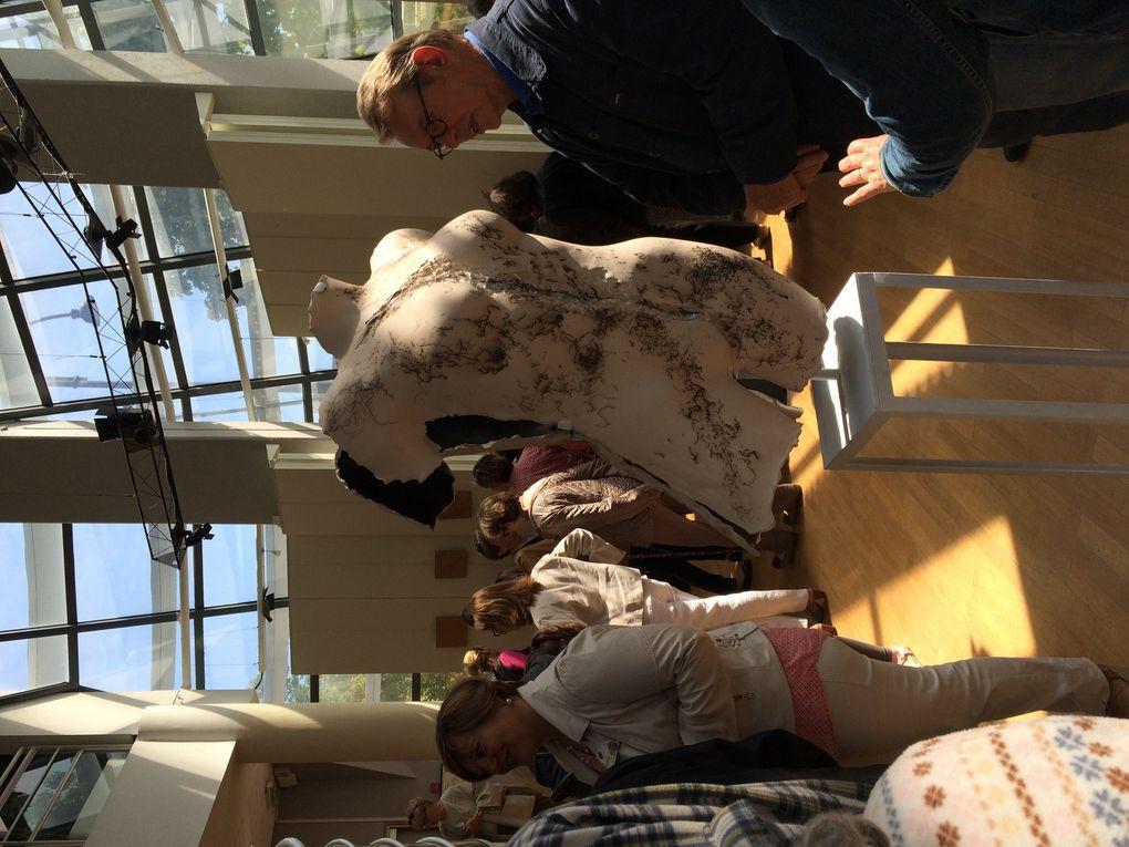 """Vernissage et inauguration officielle """"Rencontre du verre et de la terre"""" à Rueil-Malmaison, Espace Renoir, l'un des centres culturels de la ville"""