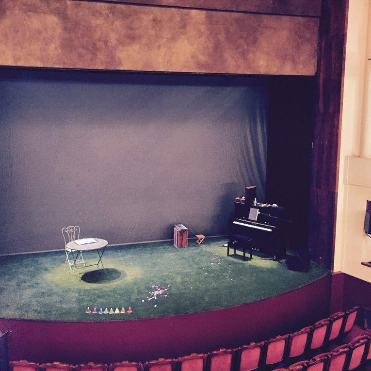 Hyacinthe et Rose au théâtre de l'Atelier, rejoints après la représentation par leur compère Olivier Saladin