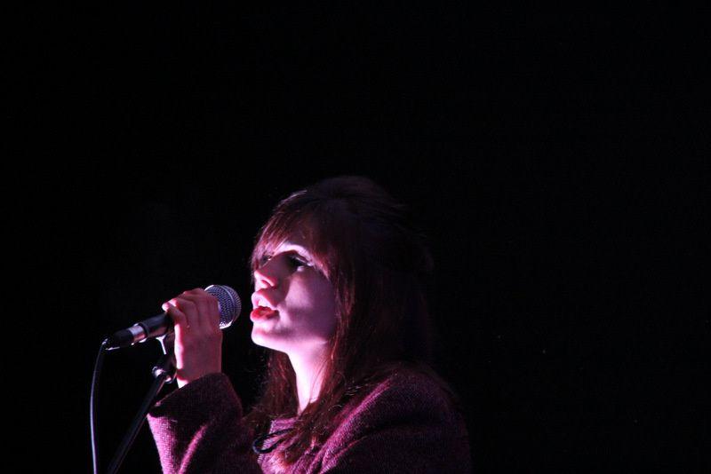 Celia (guitare-voix) scène A