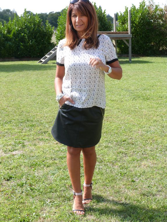 Top : Promod , Jupe et chaussures : MISS GUIDED .
