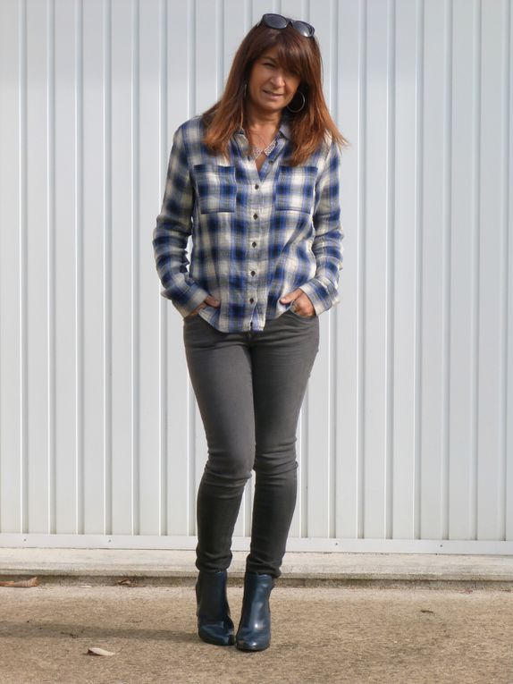 Chemise : FOREVER 21, Jeans : PIMKIE,  Bottines : NEWLOOK .