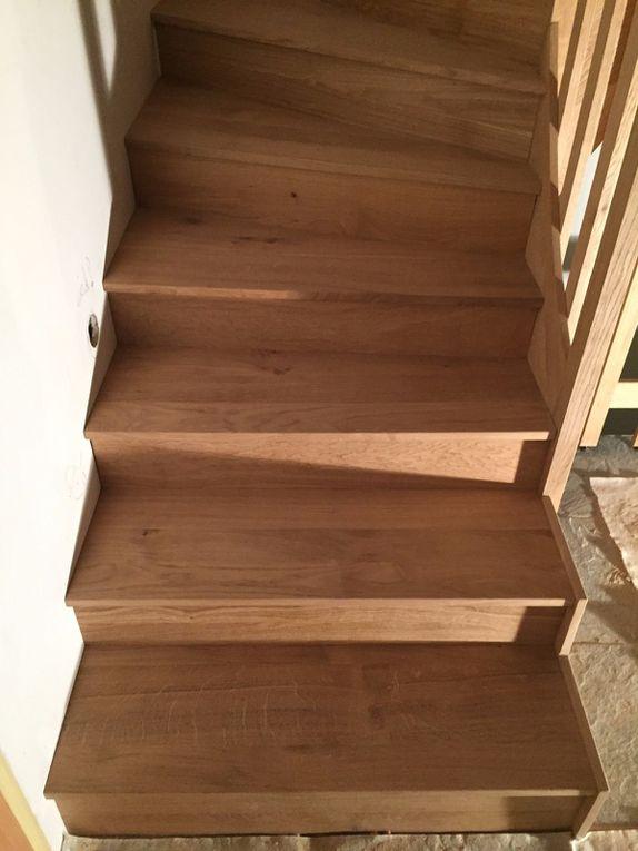 Habillage escalier béton en bois de chêne rustique