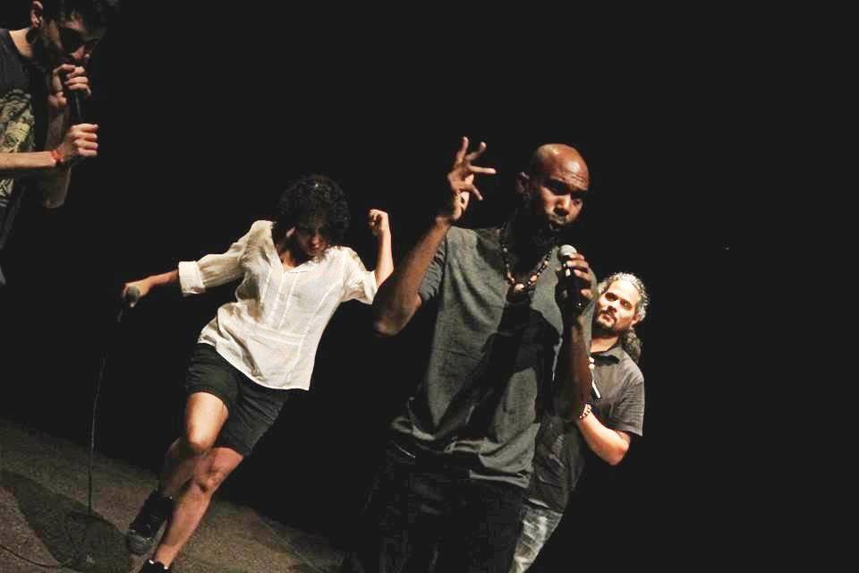 SLAM'ACTe, restitution le 31 mars des ateliers avec les Réfugiés Poétiques au MACTe: Myriam et Bronix encadrent L'Aura, I Man et Eben Kéla dans une performance qui a séduit le public !