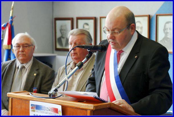 Dans la salle du conseil municipal de Douvrin Reportage photos de Mickael Caron