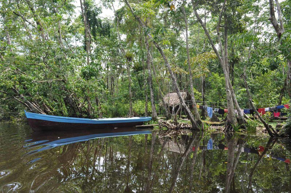 Rio Dulce : Indiens , peuple de l'eau.