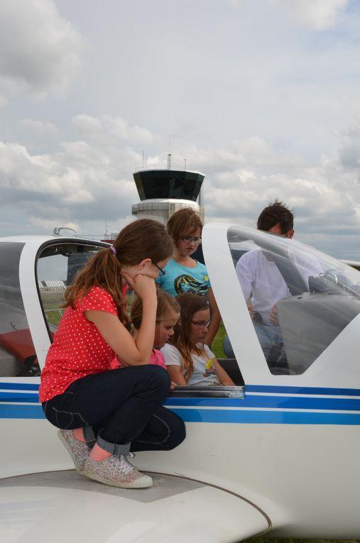 CM2: La visite des avions de l'aéroclub de Saint Jacques-Rennes