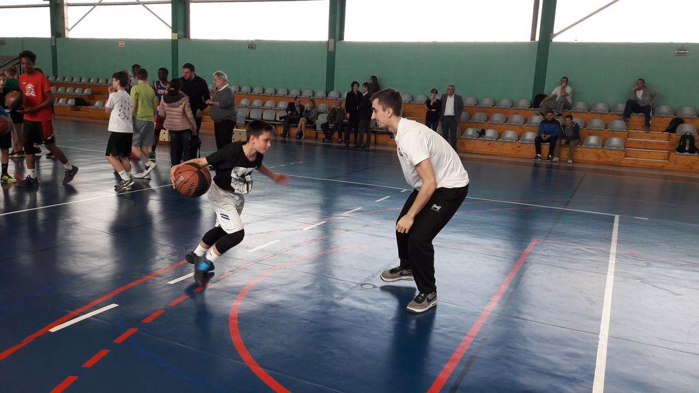 Des joueurs pros à la rencontre de la SSS basket