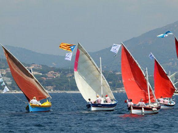 Une navigation de rêve au milieu d'une superbe flottille de Voiles Traditionnelles.