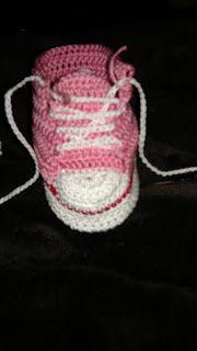 Tennis bébé fait au crochet
