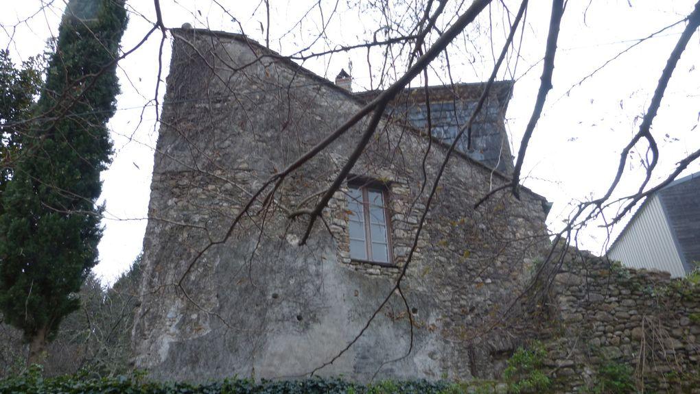 Une vue pas banale pour un vieux moulin