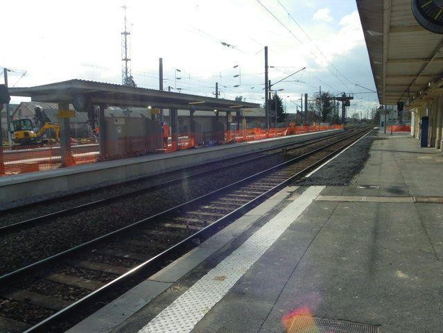 """<img src=""""foto1.jpg"""" alt=""""Crépy en Valois-Les travaux à la gare""""/>"""
