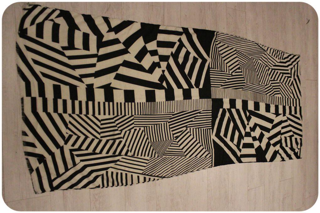 http://luniversdegarfield59.over-blog.com foulard box de mars 2014