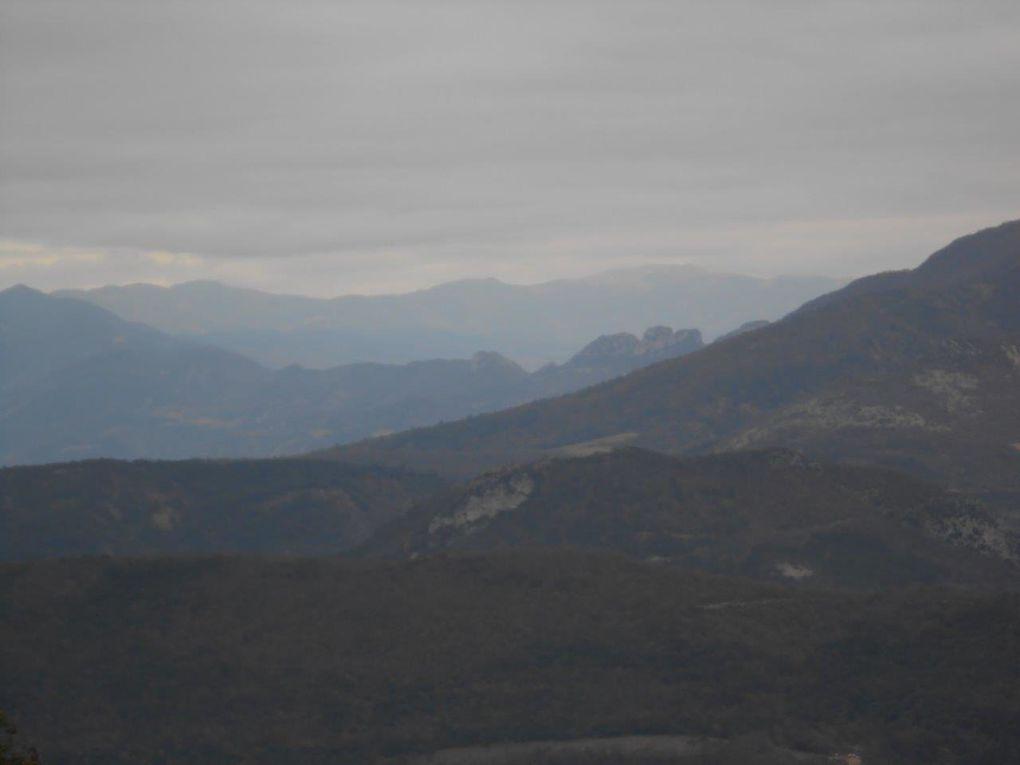 Le sommet avec le relais et une vue extraordinaire en 360° !!!