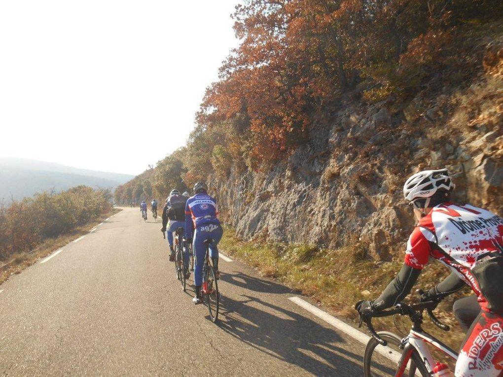 Patchwork des images de la montée puis de la descente des Gorges de la Nesque.
