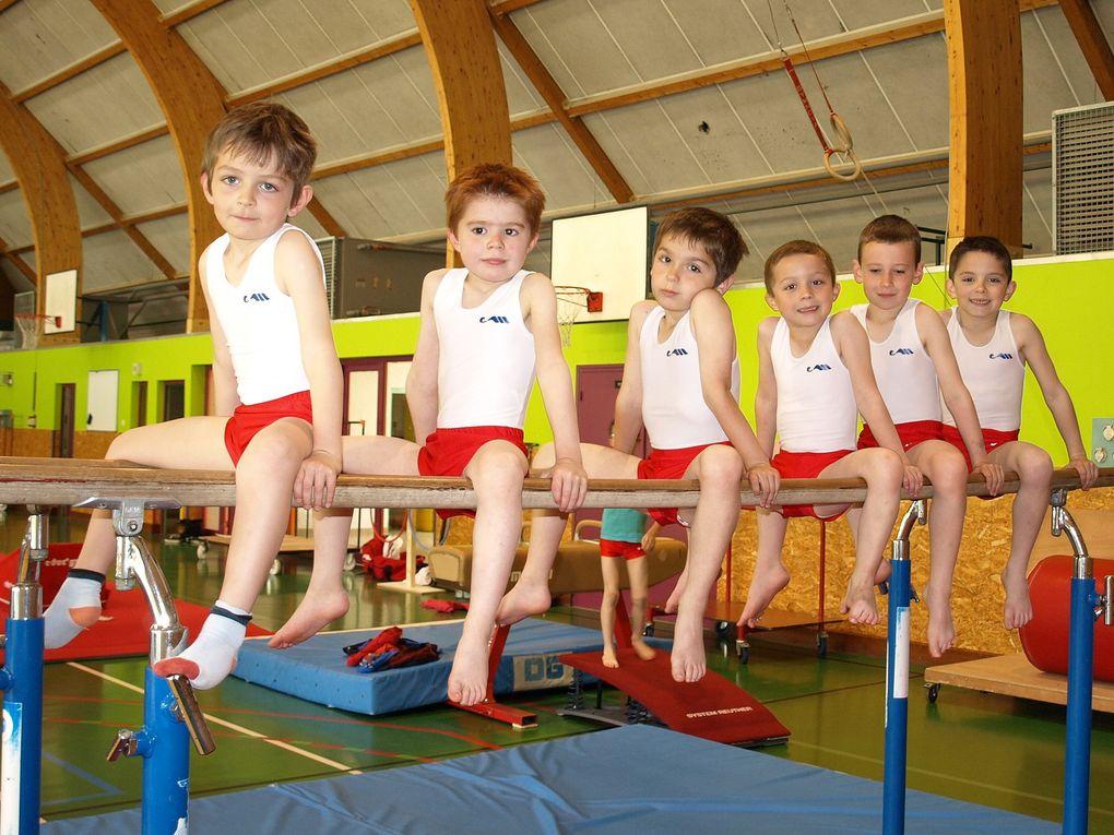 Jeunes Gymnastes au sommet