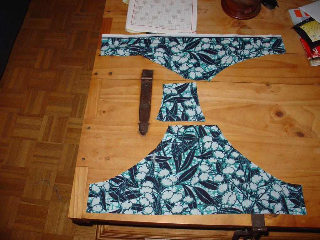 Le découpage des pièces de la culotte, et la doublure, ainsi que le petit noeud (les deux rectangles).