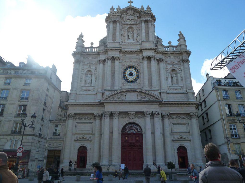 Place des vosges, église Saint-Paul, Saint-Louis rue Saint Antoine, la rue des Rosiers et l'As du Falafel.