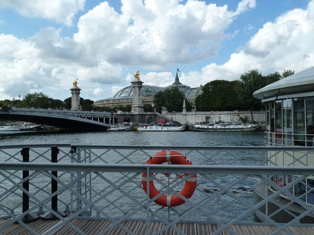 Les Berges de Seine, le pont Alexandre III, l'esplanade des Invalides.