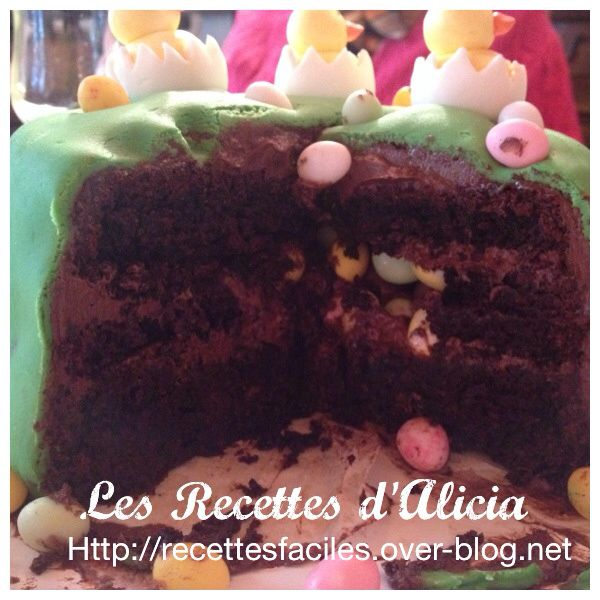 Gâteau surprise ou gâteau pinata