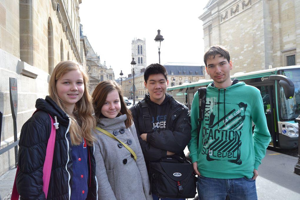 Les élèves et professeurs tchèques, slovaques et français pendant le travail sur le projet et pendant la visite de Paris