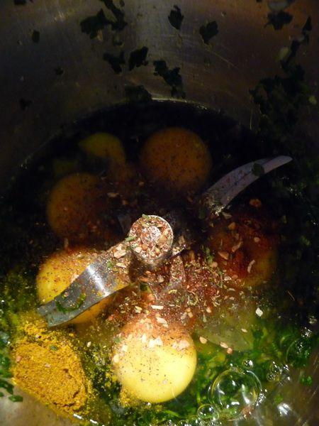 Omelette roulée au jambon curry et herbes fraîches