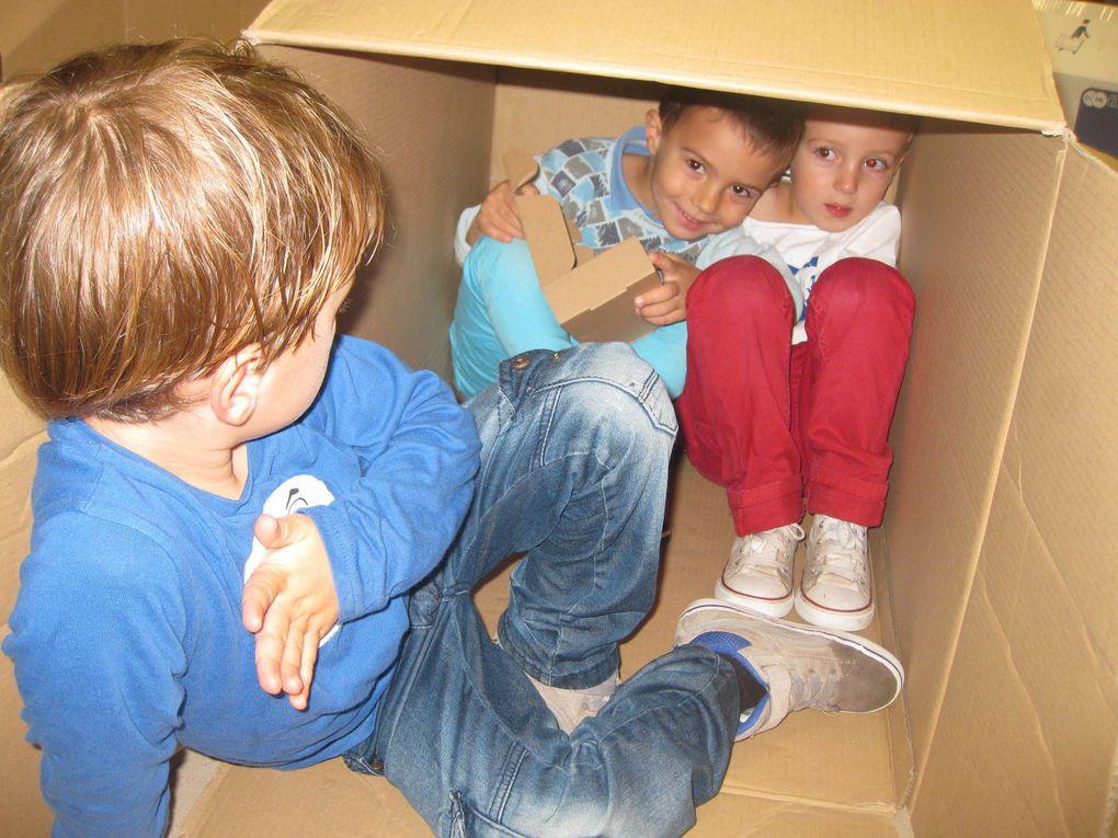 MS Régine : ils jouent avec des cartons?