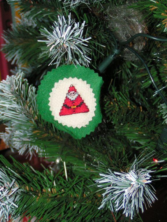 Les Pères Noël en points comptés....