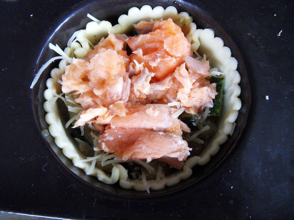 Tourtes au saumon, aubergines et courgettes