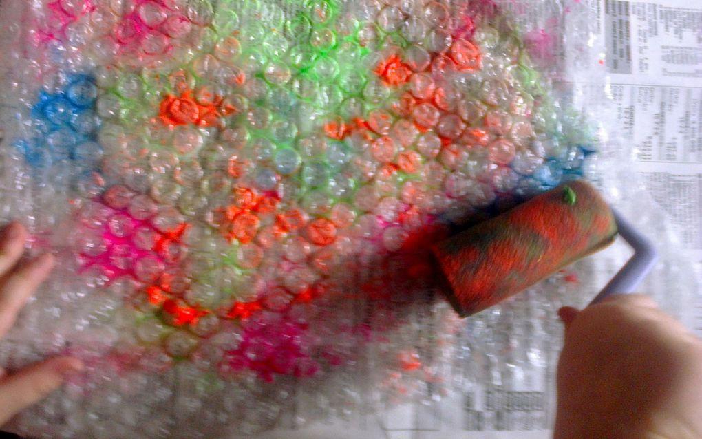 peinture avec du papier bulle