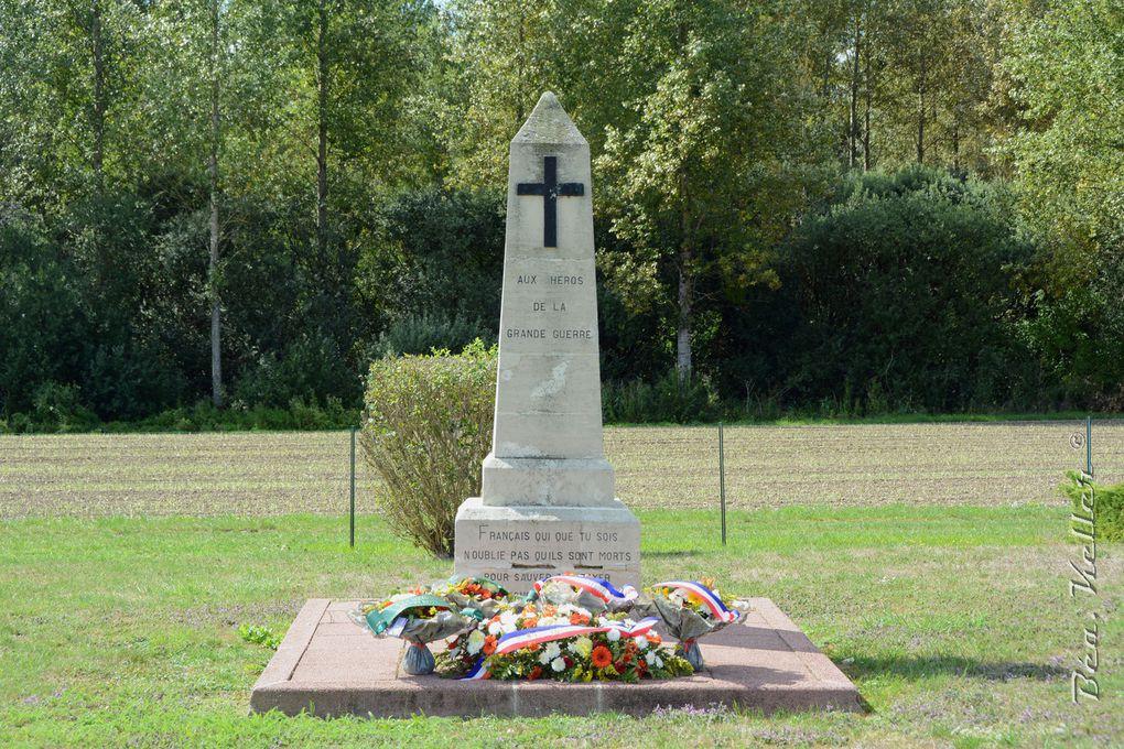Monument aux héros de la Grande Guerre (Cliquez sur les photo)