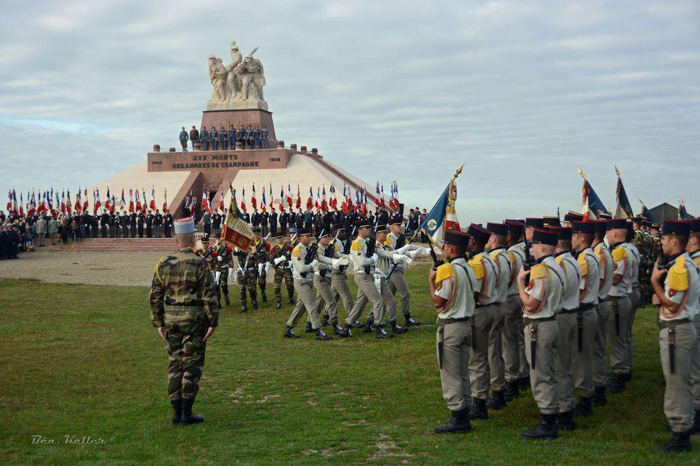 Mise en place des troupes et arrivée des Officiels (Cliquez sur les photos)