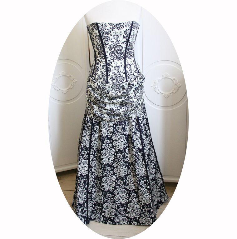 Robe Baroque en bleu marine et blanc, bustier et jupe