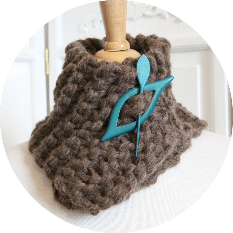 Echarpe tour de cou en pure laine et alpaga marron boucle turquoise