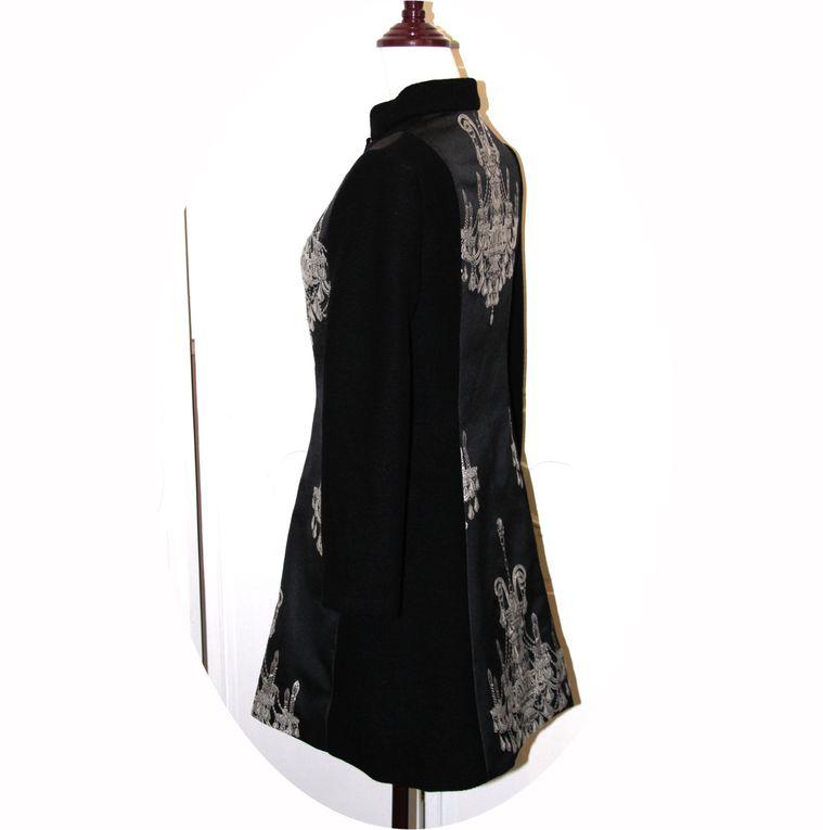 Manteau laine noire et motif chandelier argent