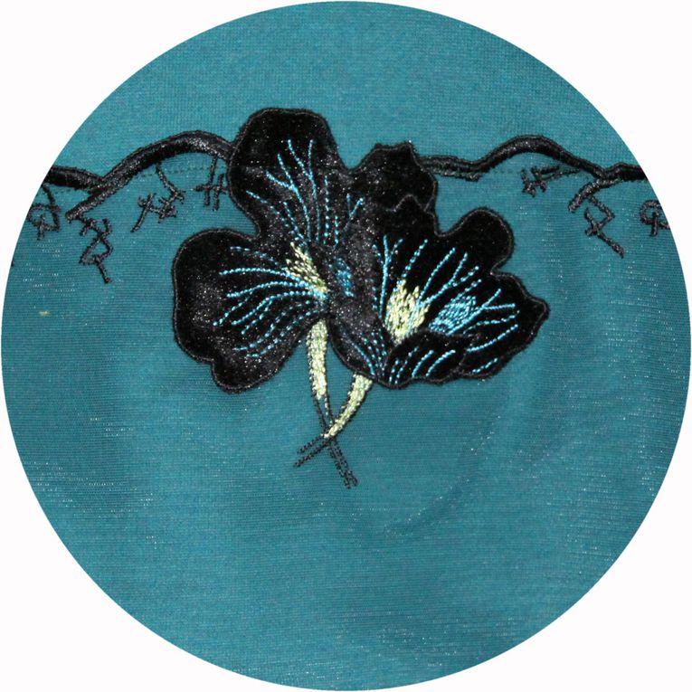 Robe trapeze &quot&#x3B;P'tit Basique&quot&#x3B; en molleton bleu canard et broderie velours