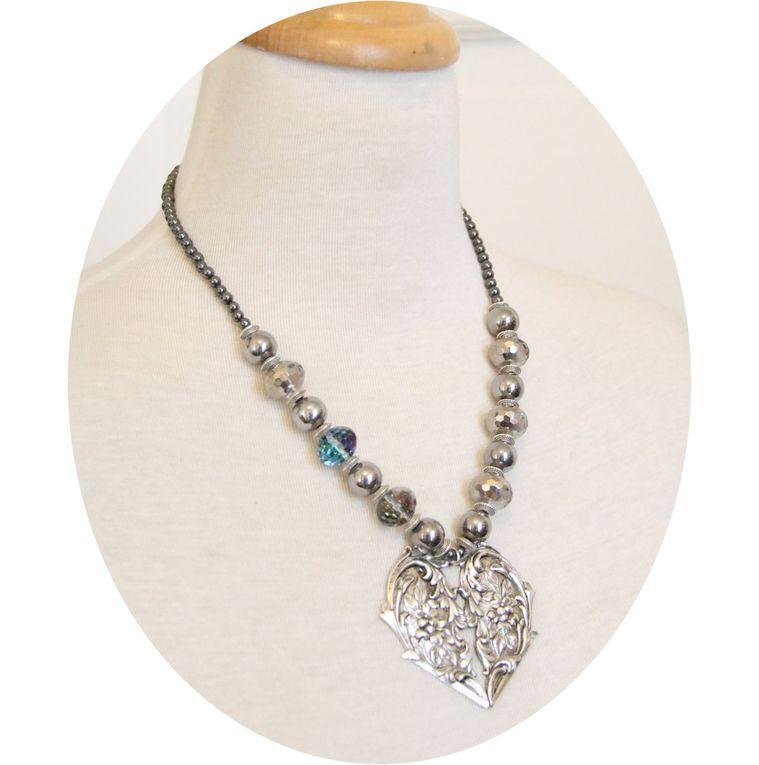 Collier Coeur Victorien et perles grises, cristal, hematite