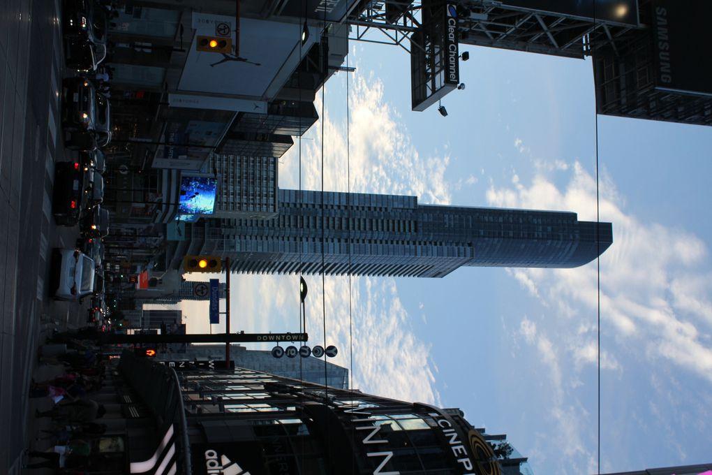 Architecture de Toronto, là ou la modernité contraste avec l'ancien