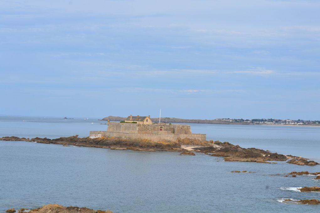 Saint - Malo .