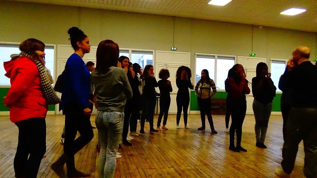 Le corps et la voix : des Ateliers de pratique théâtrale pour les 1ère Bac Pro Arcu
