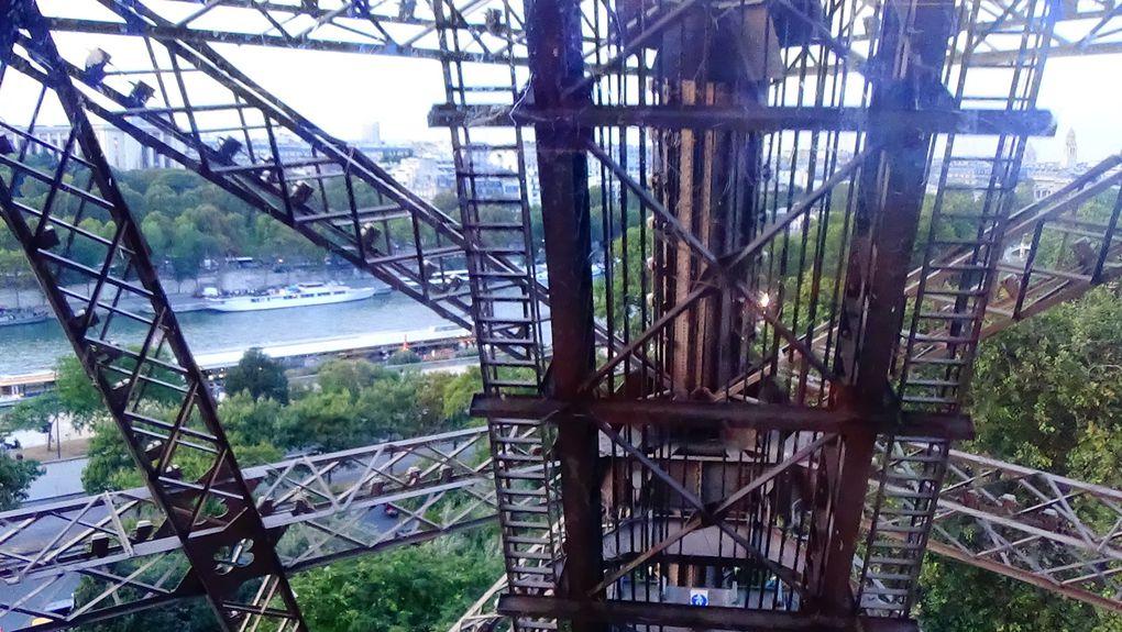 L'ascension de la Tour Eiffel
