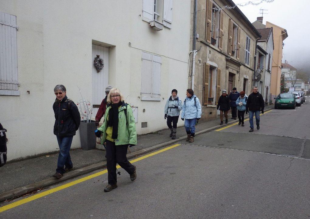 Traversée de Feucherolles - Eglise St Antoine et modèle ancien de GPS, très précis !!!