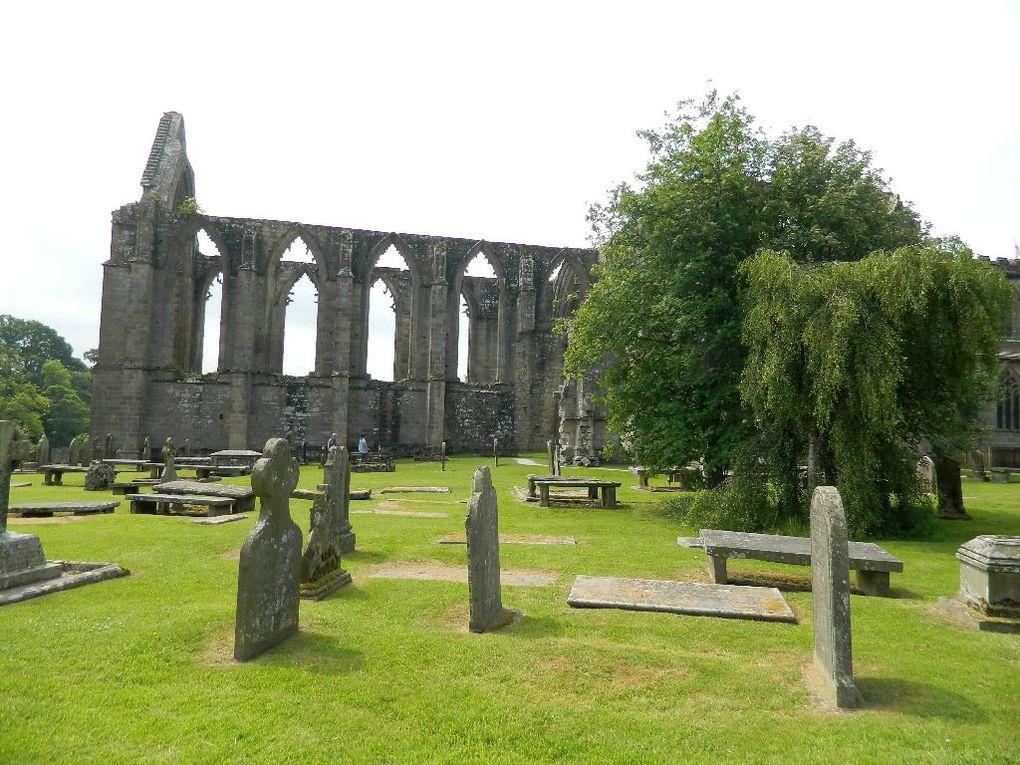 Les ruines du prieuré occupé par des chanoines jusqu'au 16ème siècle.